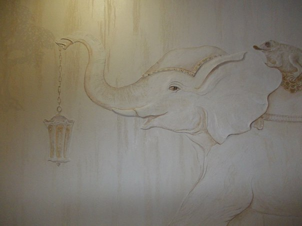 Барельеф из штукатурки Слон