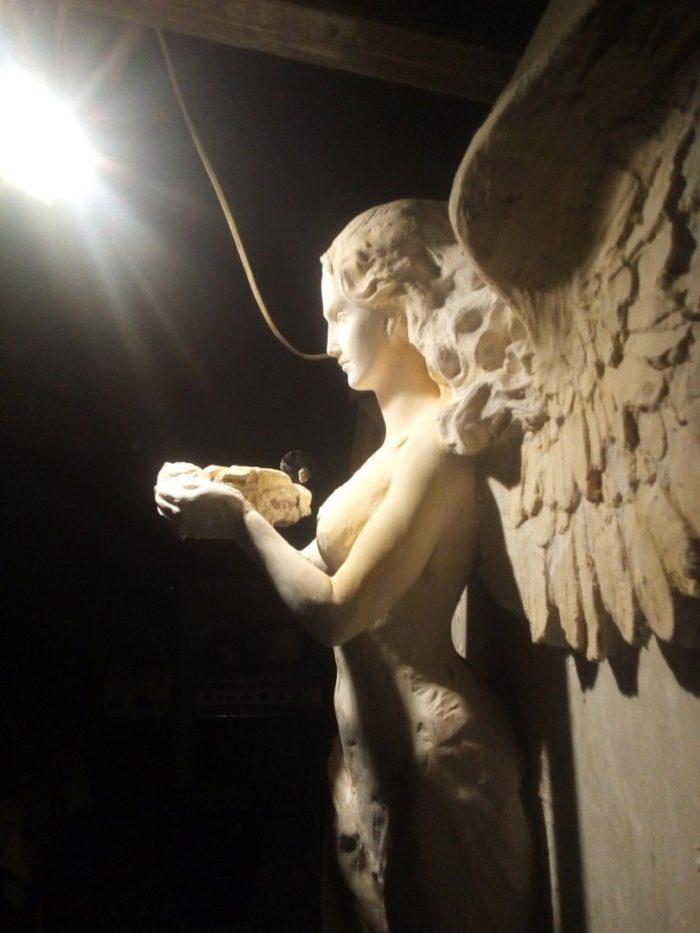 Скульптура богини Ники