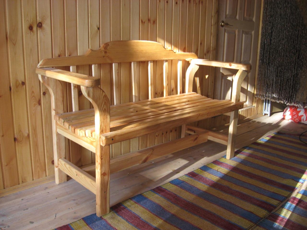 Скамейки и стулья для дома