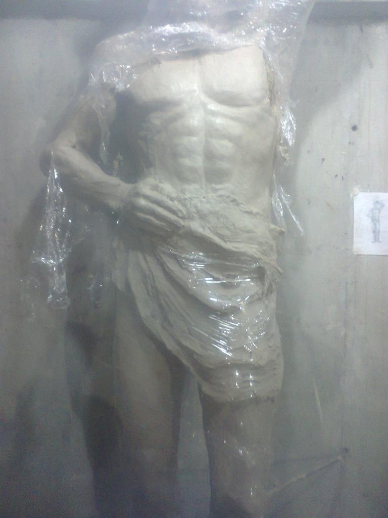 Скульптуры атлантов модель